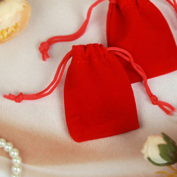 Бархатный подарочный мешочек красного цвета (7 х 5 см)