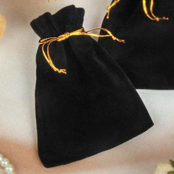 Бархатный подарочный мешочек чёрного цвета с золотым шнурком (12 х 9 см)