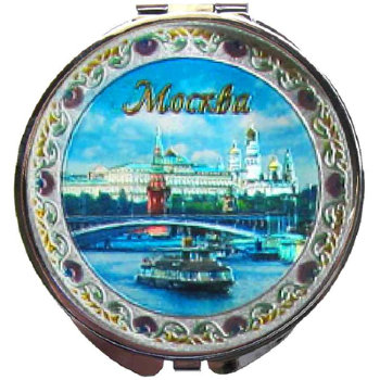 """Карманное зеркальце """"Кораблик на фоне Кремля"""""""