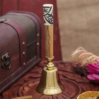 Латунный колокольчик с цветной вставкой на ручке (17 см)