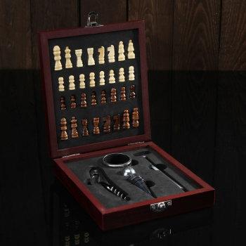 Набор аксессуаров для вина с шахматами (4 предмета)
