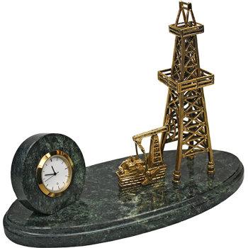 """Настольные часы """"Нефтяная вышка"""" из бронзы и змеевика (16 см)"""